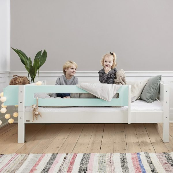 Manis-h White Day Bed with Safety Rail in Azur Mint